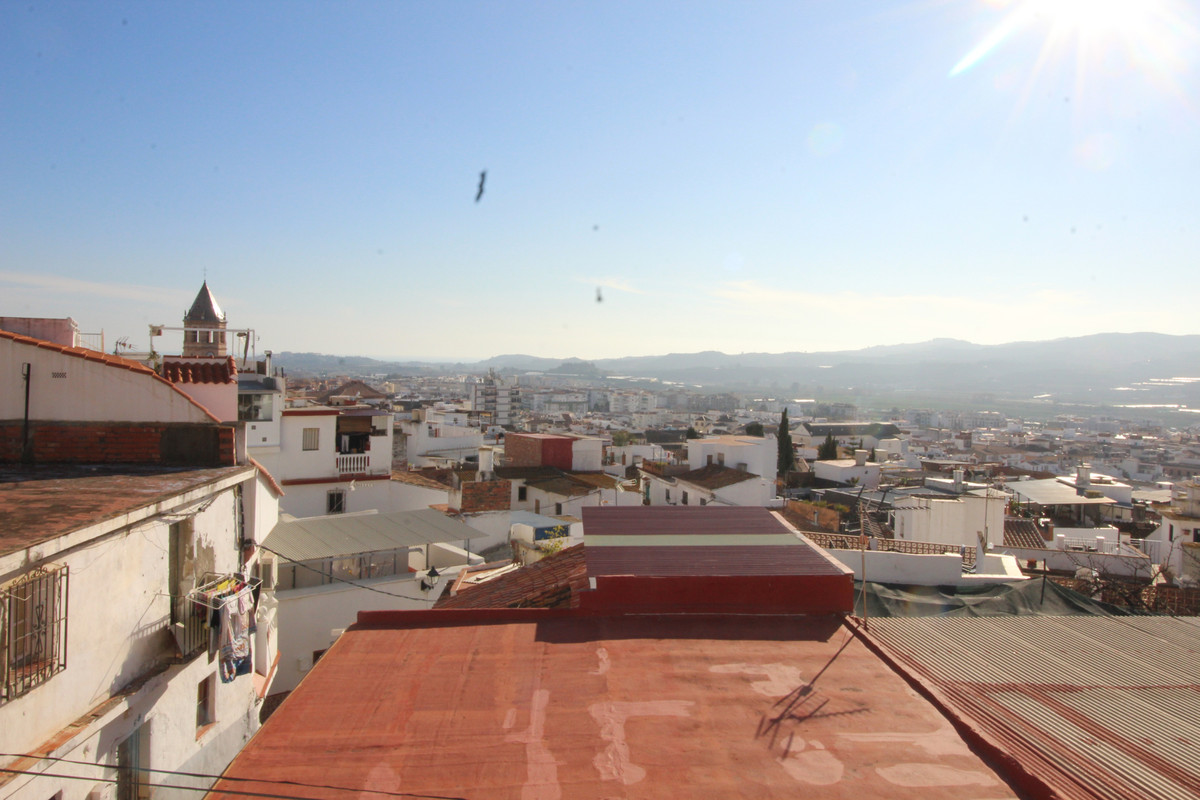 For Sale House -Velez Malaga -Malaga -Andalucia    Beautiful authentic village house with sea views , Spain