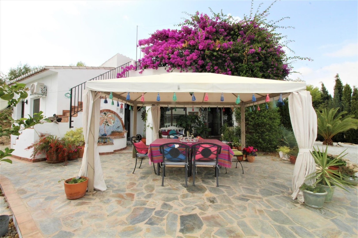Beautiful Finca with breathtaking views   This finca has got everything you could ever need to live ,Spain