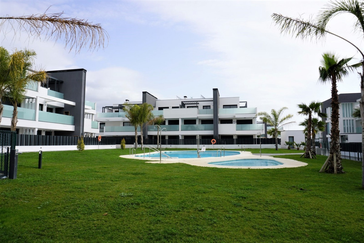 Two minutes from the beach, the promenade, the marina and the commercial area is this magnificent ap,Spain