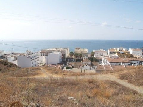Beautiful plot, 200m to the beach, it is possible to build a villa 170m2 on this plot, panoramic sea,Spain