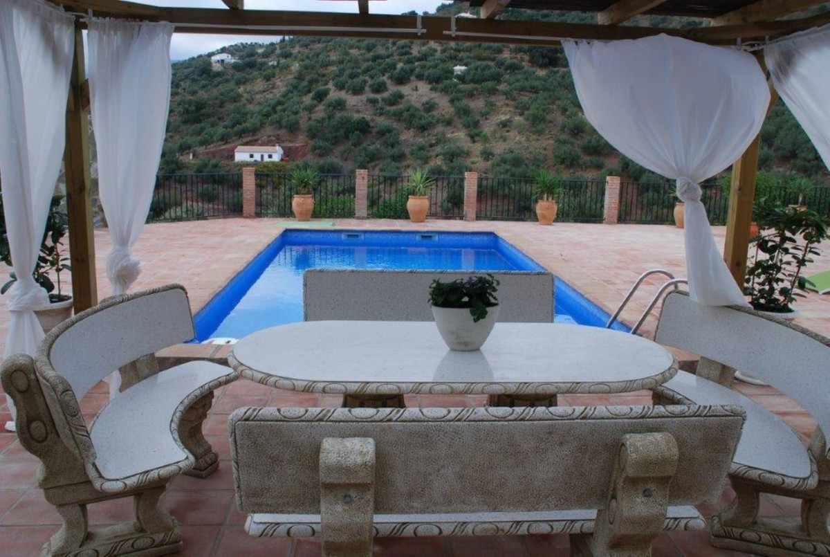 Sale, Villa, Riogordo, Malaga, Andalucia  If you are looking for privacy and tranquility, with great,Spain