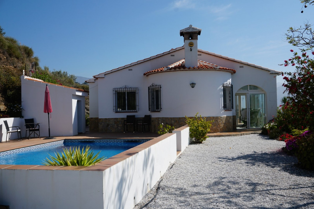*Exclusive* Sale, Villa, Algarrobo/Arenas, Malaga, Andalusia  With its panoramic views overlooking t,Spain