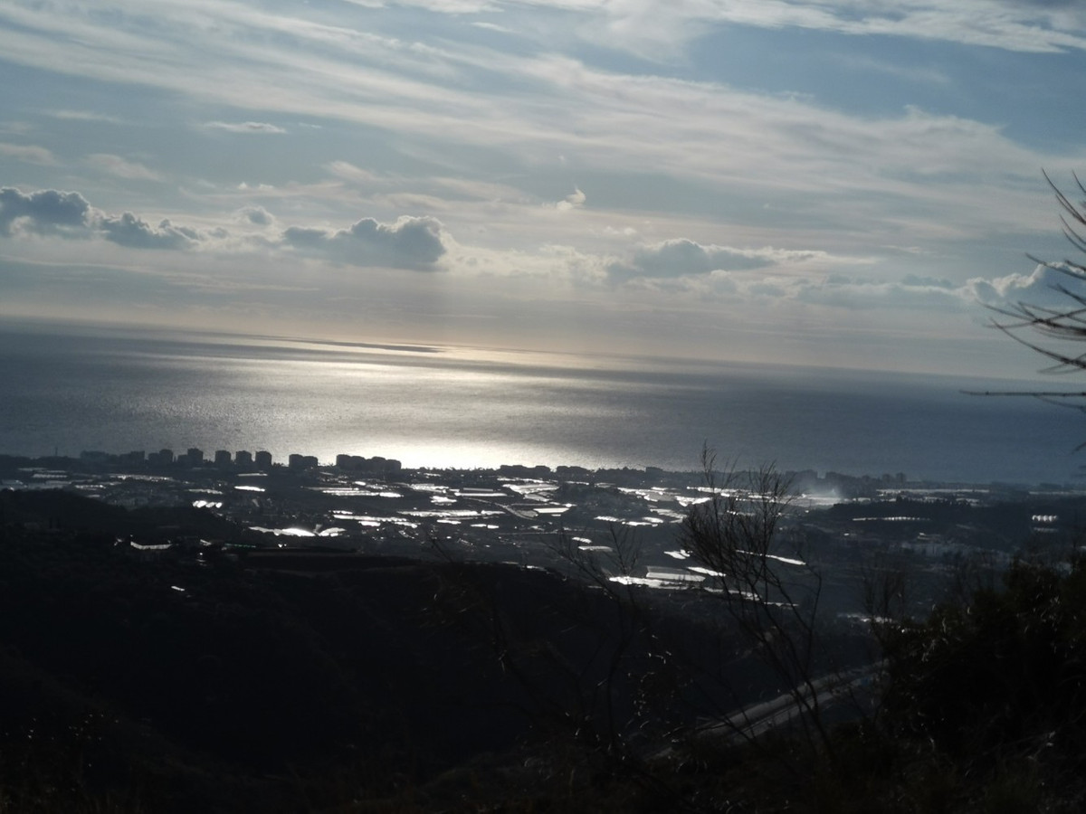 Plot with views at sea and mountains  Plot of 4589 m2 with beautiful sights to the sea and mountains, Spain