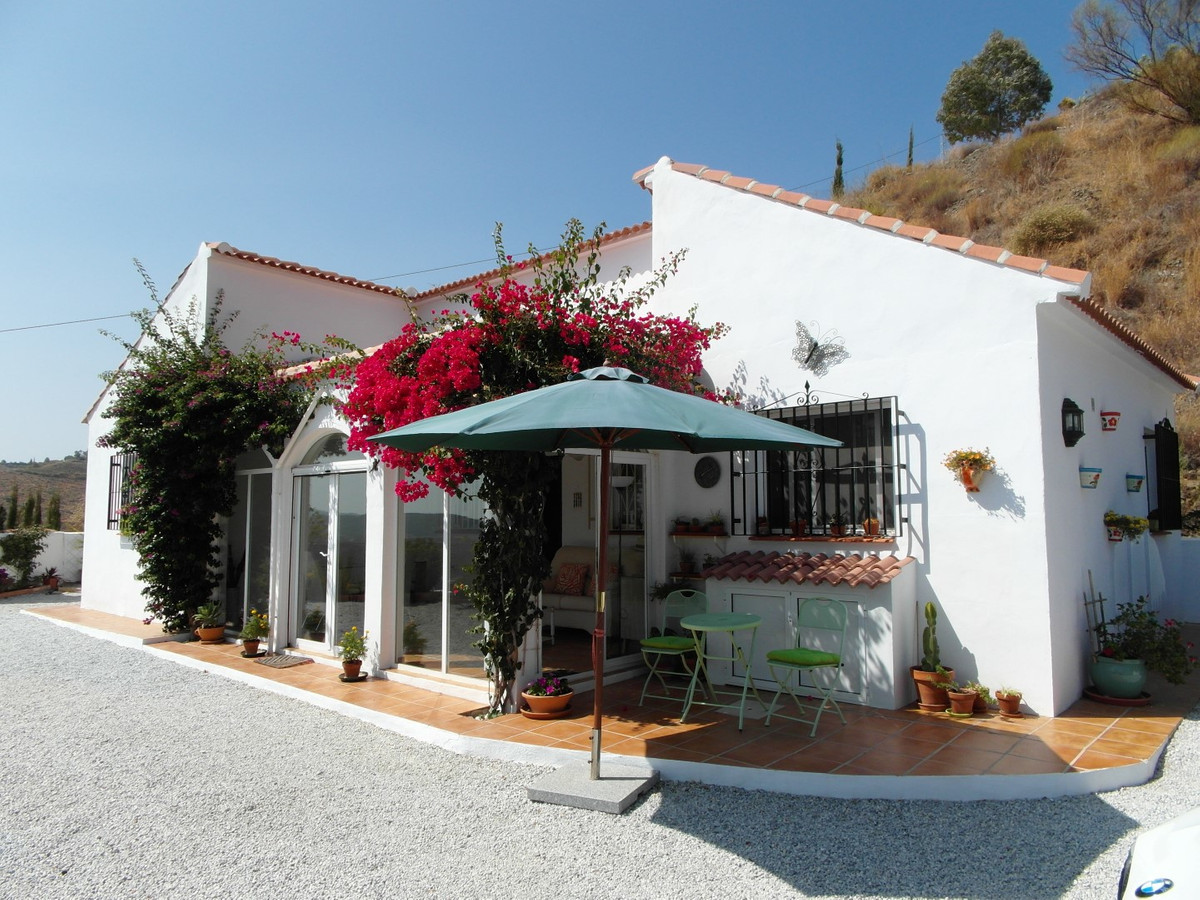 Beautiful property in the town of Almachar with views to the sea.  The property has a total construc,Spain