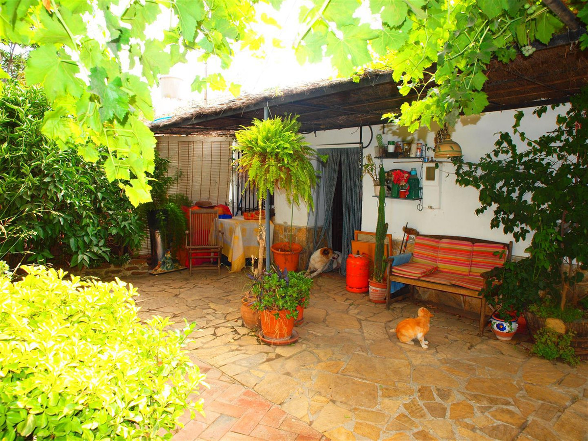 Nice little finca in Almayate. The garden is renovated and is situated only 4 km from the beach and ,Spain