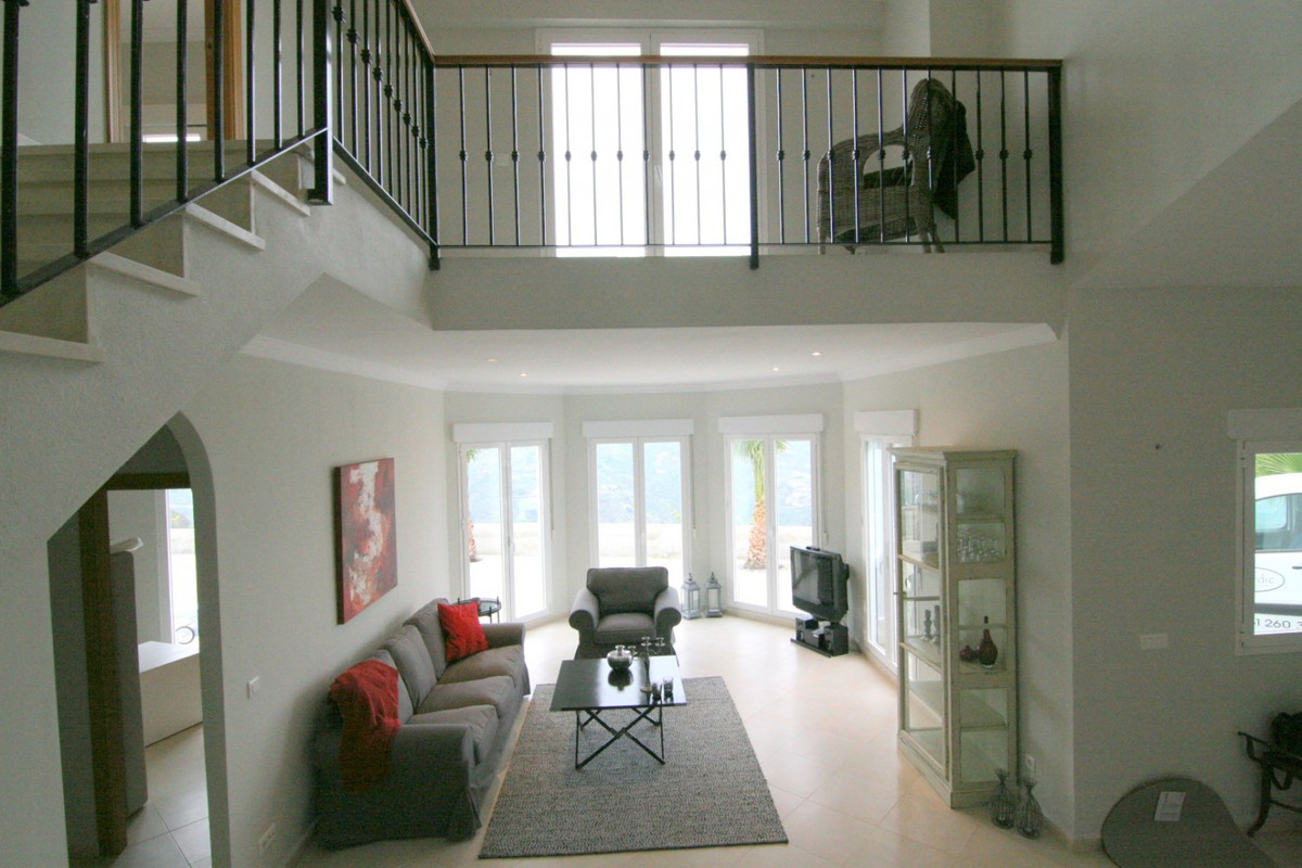 Fantastic Villa in the municipality of Algarrobo/Arenas.  The property has a total construction of 1,Spain