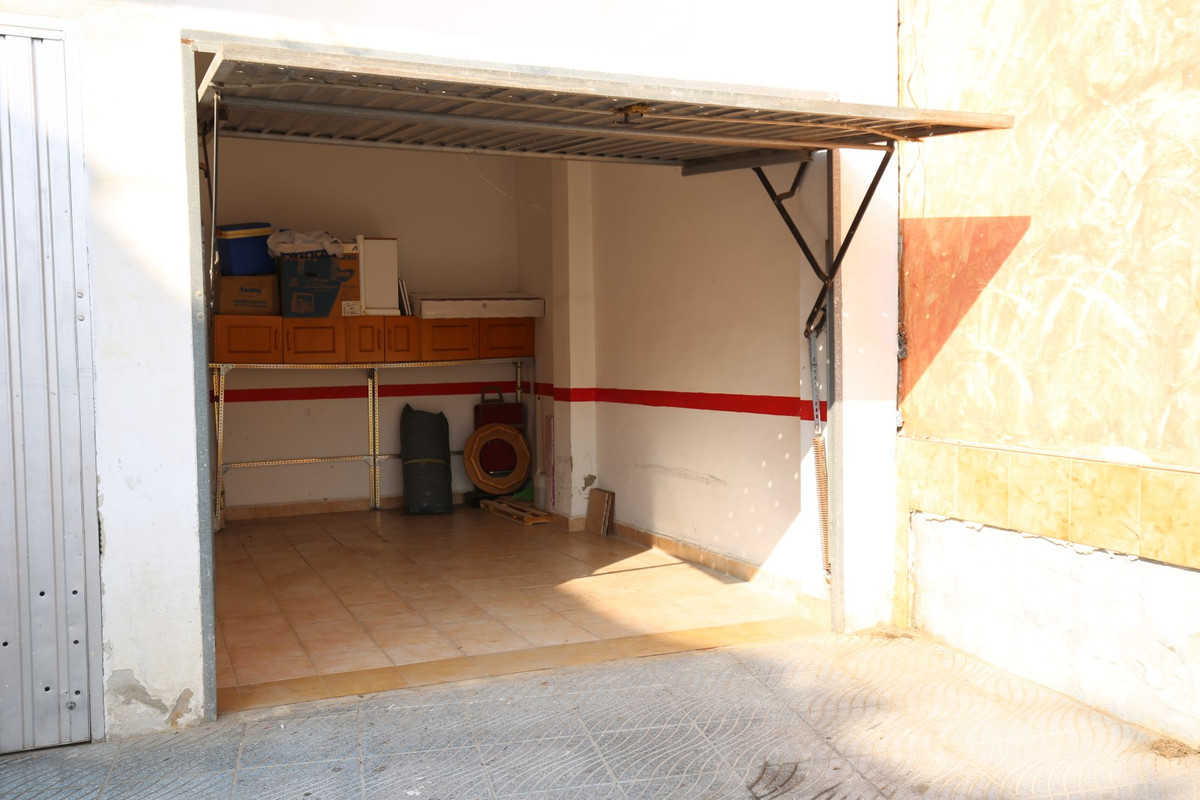 Sale, Garage, Torre del Mar, Malaga, Andalucia  Sale independent garage closed, without descents wit, Spain