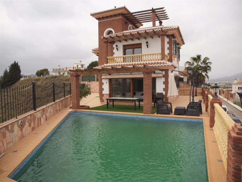 Wonderful completely new, modern style Villa in Vina Malaga vineyard overlooking the sea. This prope,Spain