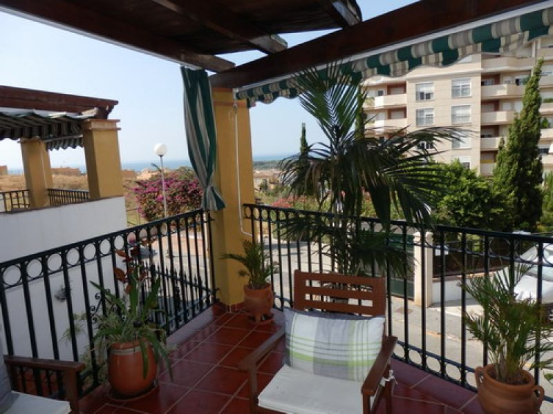 Terraced townhouse with sea views and in the best area of the town, partly furnished, ff kitchen, A/,Spain