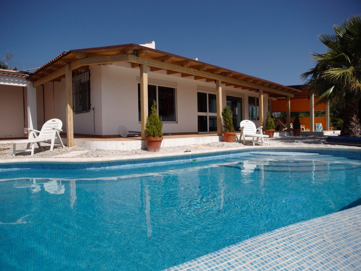 Fantastic villa in Moclinejo. The villa has a living/dining room with fireplace and exit to the pool, Spain