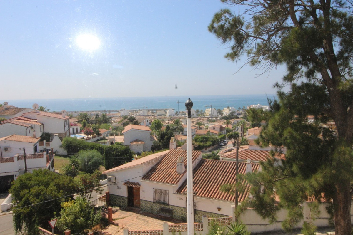 The property is located in , Caleta de Velez. It has a total construction of 335 m2, on a plot of 84,Spain
