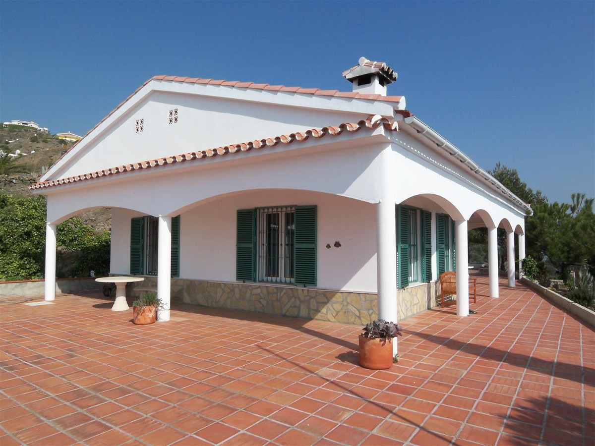 Spectacular villa with wonderful views to the sea and mountains with a 13000 m2 irrigated land. A fe,Spain
