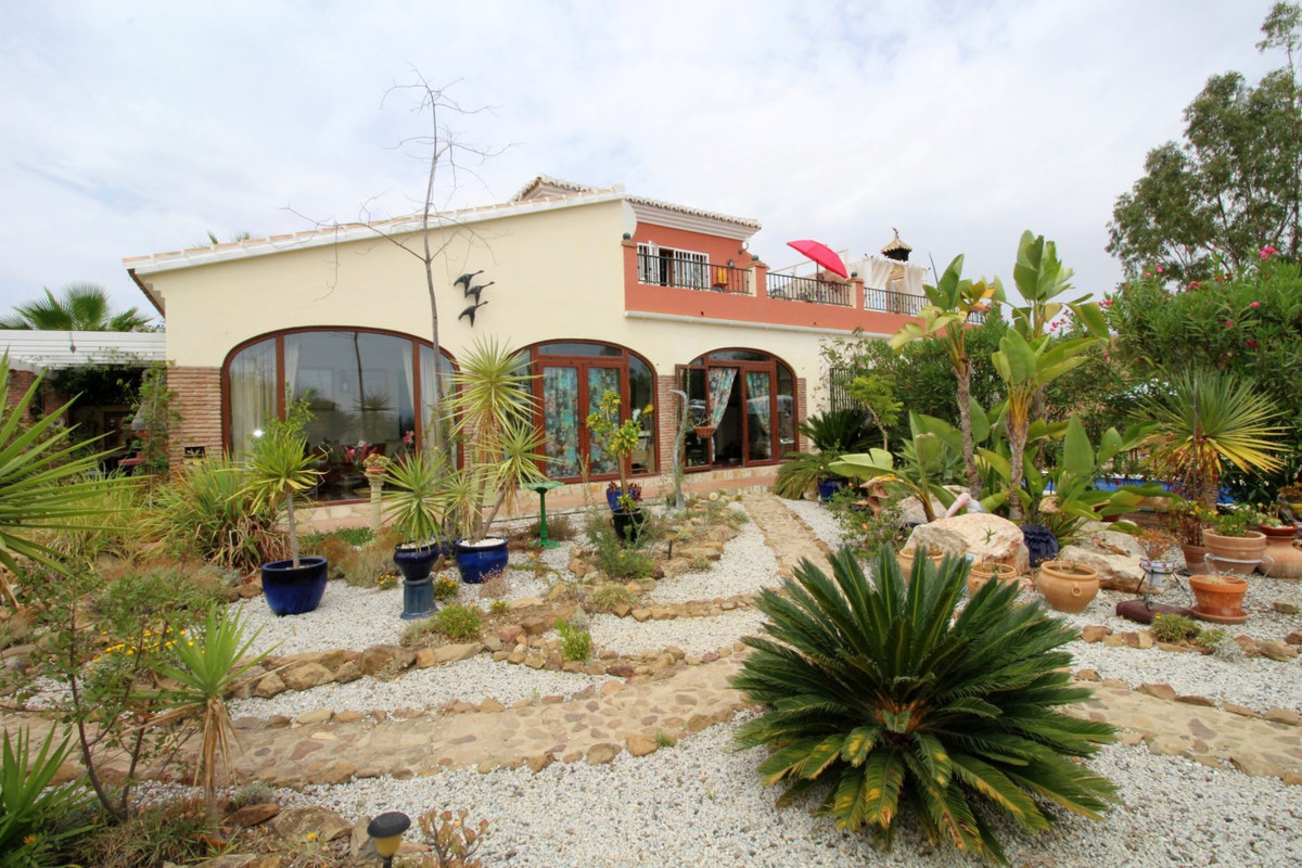Wonderful Villa with panoramic views of the Lake La Vinuela. The House is divided in two floors, the, Spain