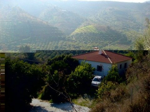 Beautiful country house with magnificent mountain views, all day sun, ff- kitchen, huge terrace, fru,Spain