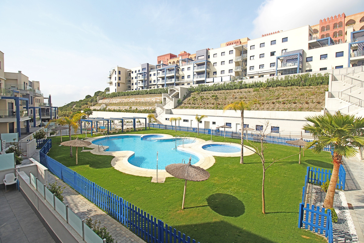 This lovely recently built apartment is located in Velilla Taramay area of Almunecar.  Almunecar is ,Spain