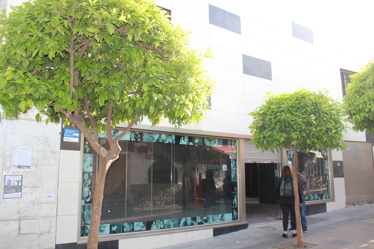 Comercial Tienda 2 Dormitorio(s) en Venta Torremolinos