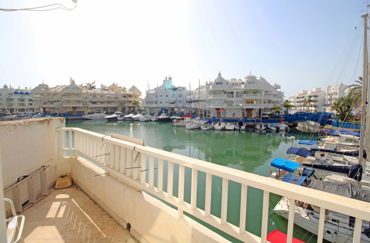 These magnificent apartments are located in Benalmadena. Benalmadena is a town situated between Fuen,Spain
