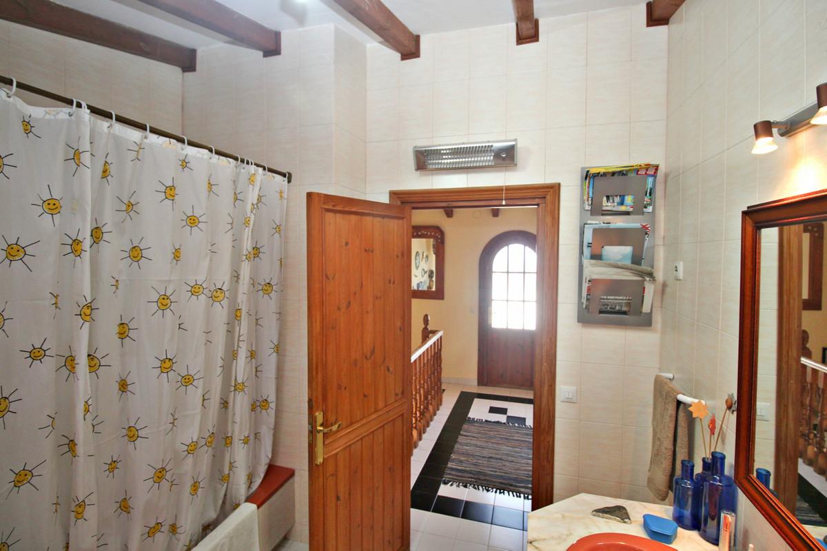 House in Alhaurín de la Torre R3524356 40