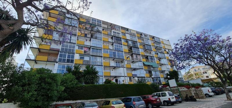 Apartamento Planta Media en venta en Benalmadena Costa – R3500845