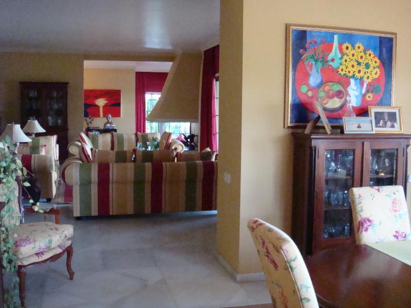 5 Habitaciones 5 Baños Referencia del Inmueble: R2315710
