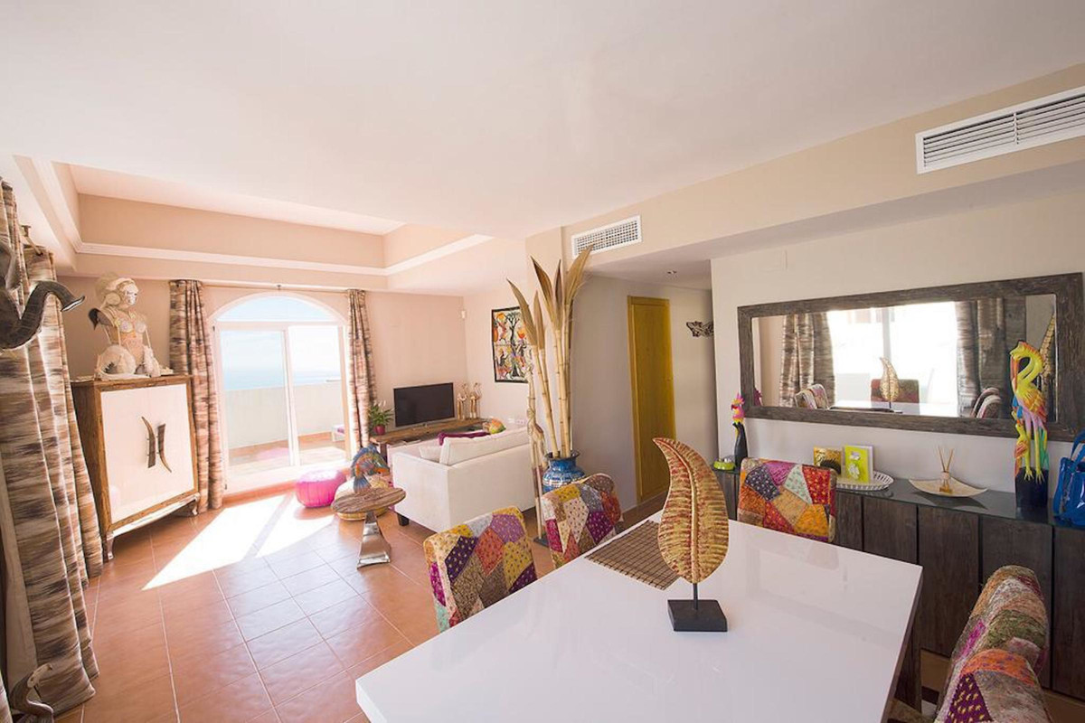 Penthouse with stunning sea views, sunny all day. It has two bedrooms and two bathrooms (one of them,Spain