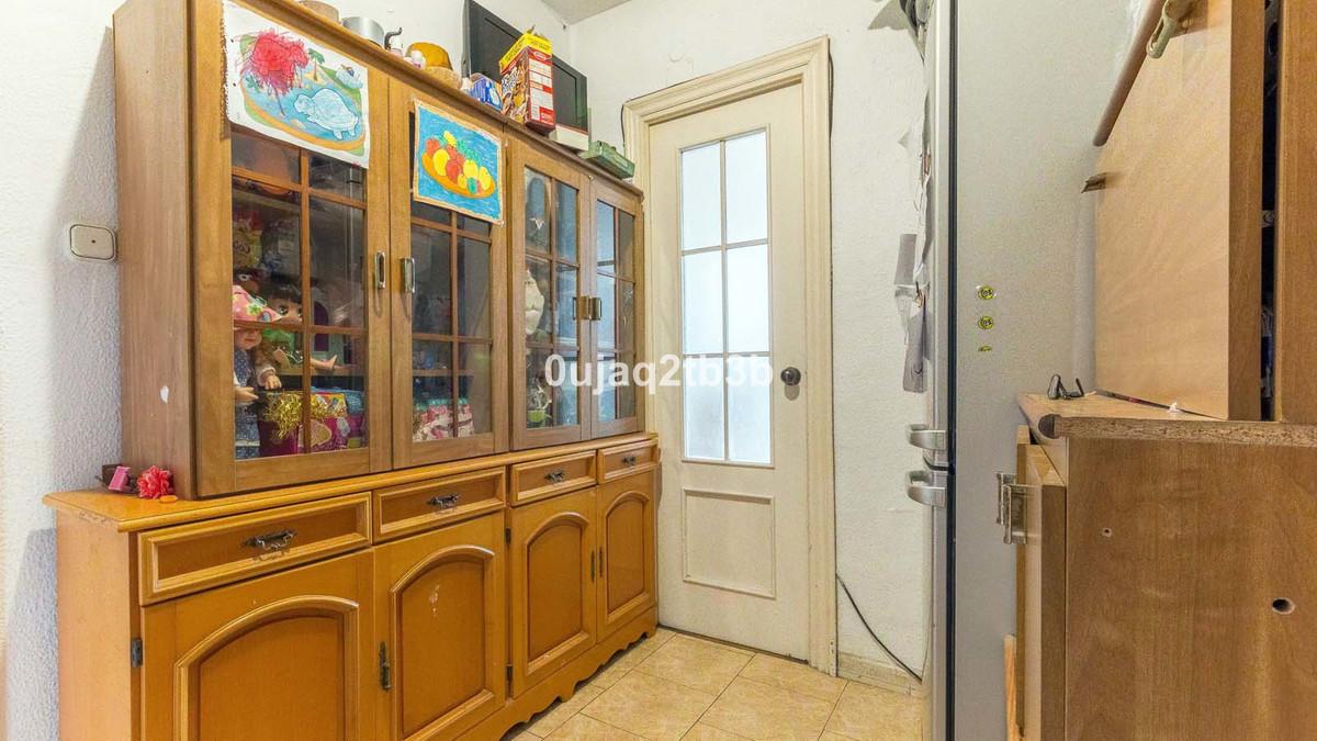 Apartamento Planta Media en Venta en Marbella – R3585874