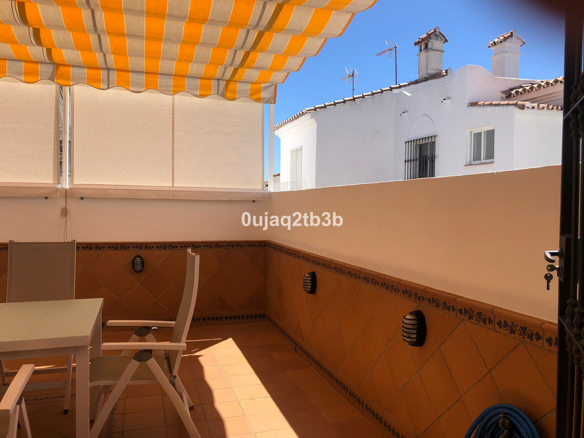 New to the market stunning townhouse. Ready to move in without having to personalize or even furnish,Spain