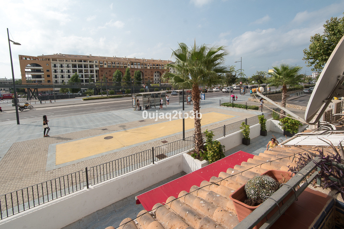 New to the market. Large middle floor apartment in San Pedro Alcantara next to the bus station. Very,Spain