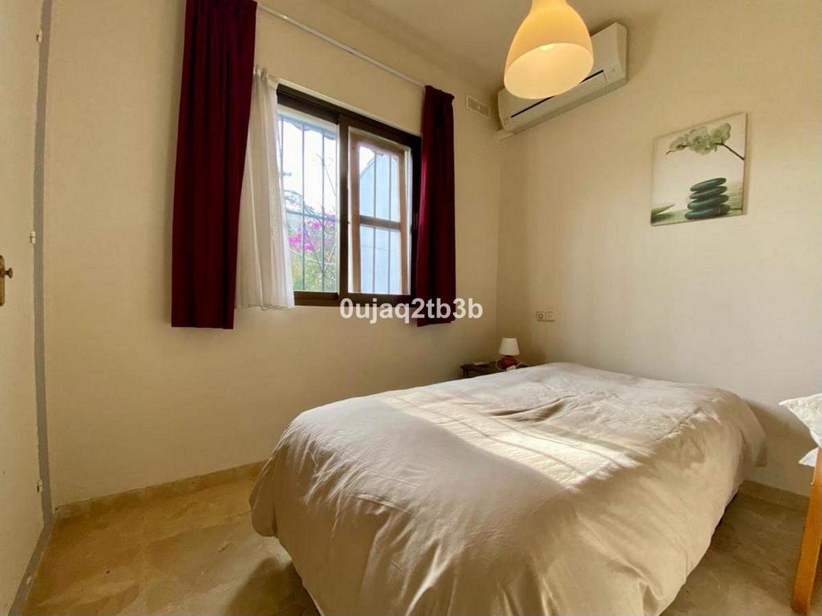 House in Bel Air R3784306 10