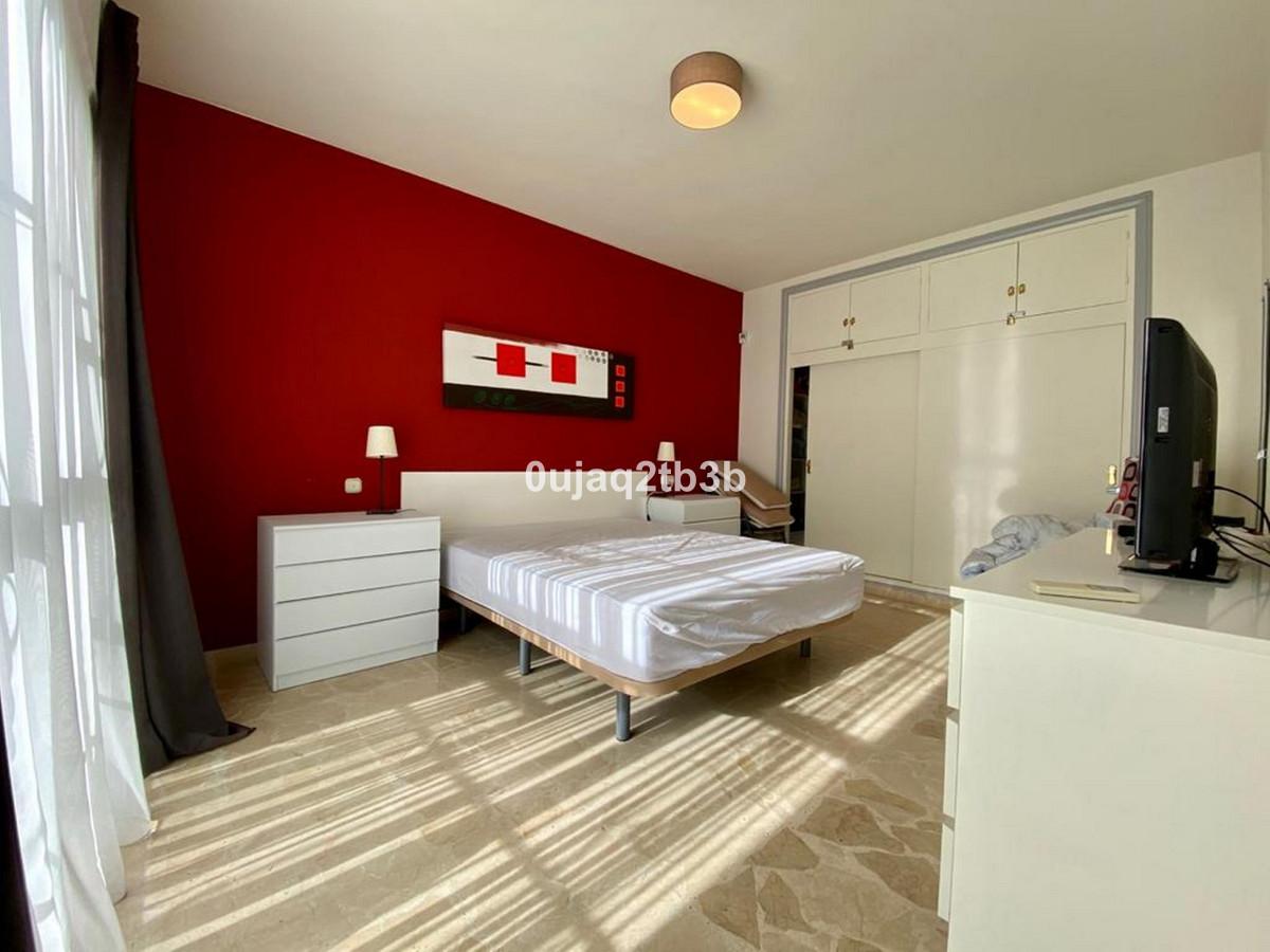 House in Bel Air R3784306 4