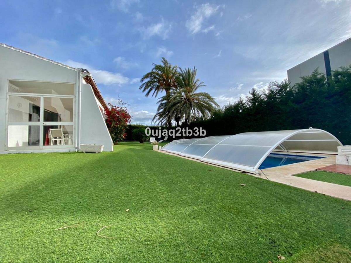 House in Bel Air R3784306 8