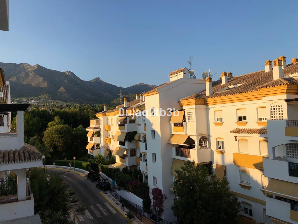 New to the market penthouse in Golden Mile. Ready to move in duplex penthouse just minutes away from, Spain