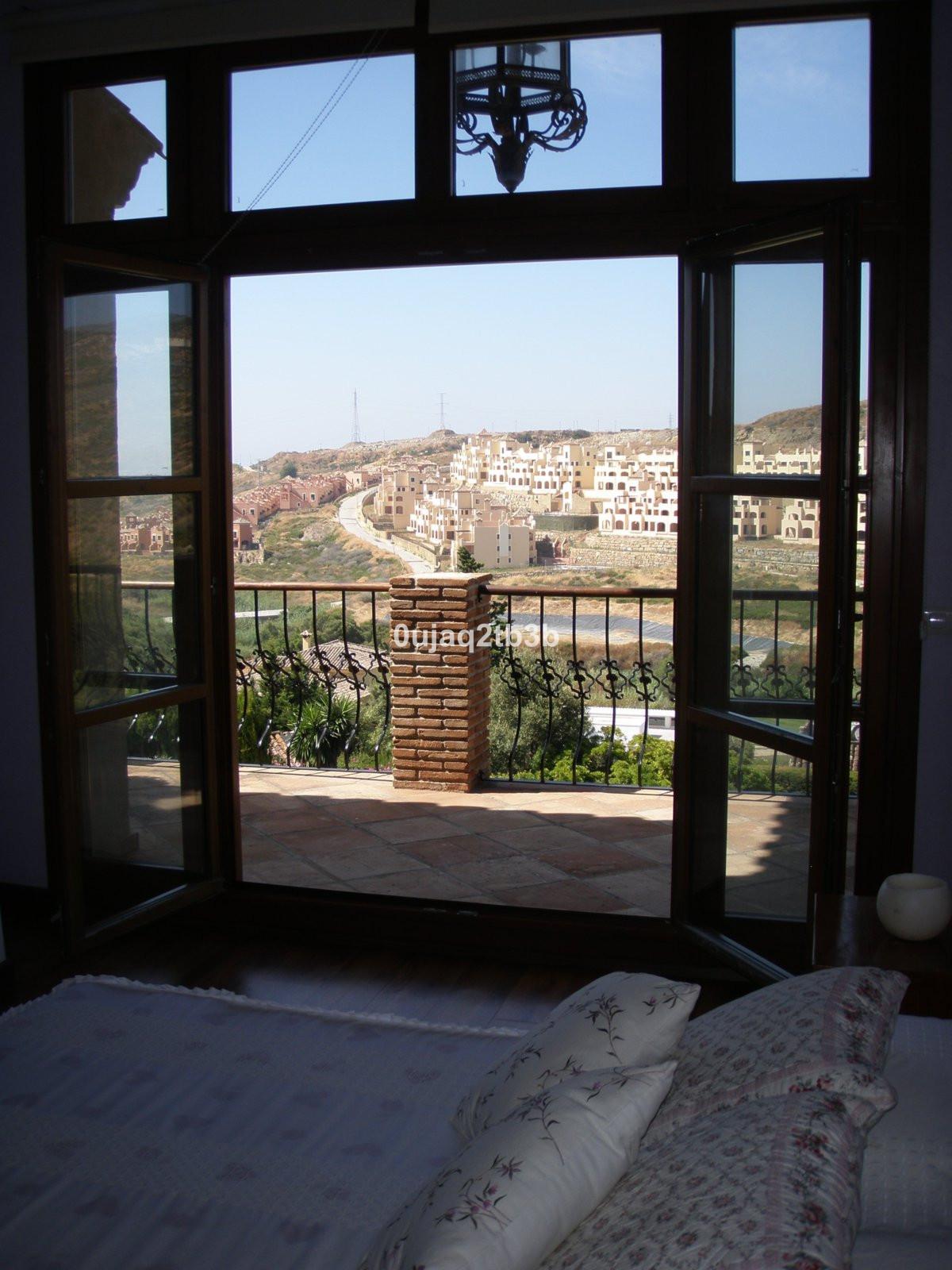 Villa 3 Dormitorios en Venta Valle Romano