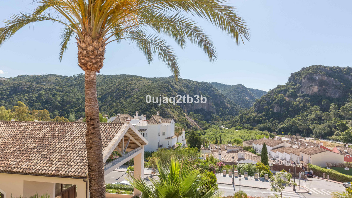 This rare opportunity to purchase a very large 1 bedroom apartment in one of the most sought-after c,Spain