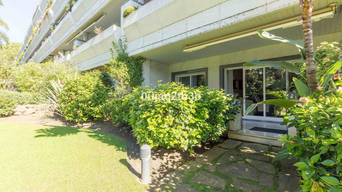 Cosy apartment  in the prestigious building Gran Marbella Front Beach Complex. Luxury  Large One BedSpain