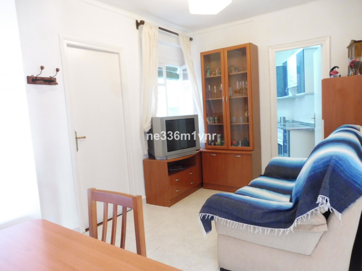 Middle Floor Apartment - Malaga Centro