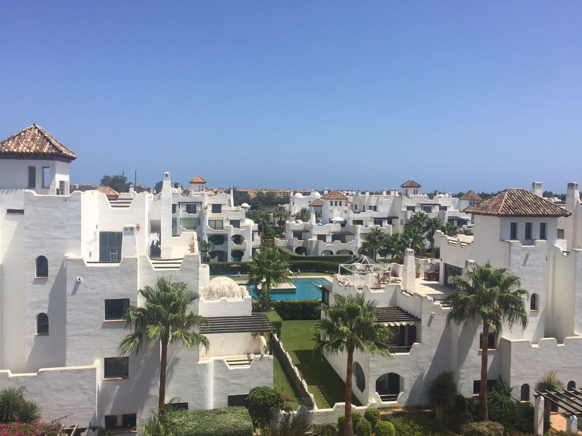 Impressive penthouse, of about 300 square meters from the house and 500 square meters of terraces. TSpain