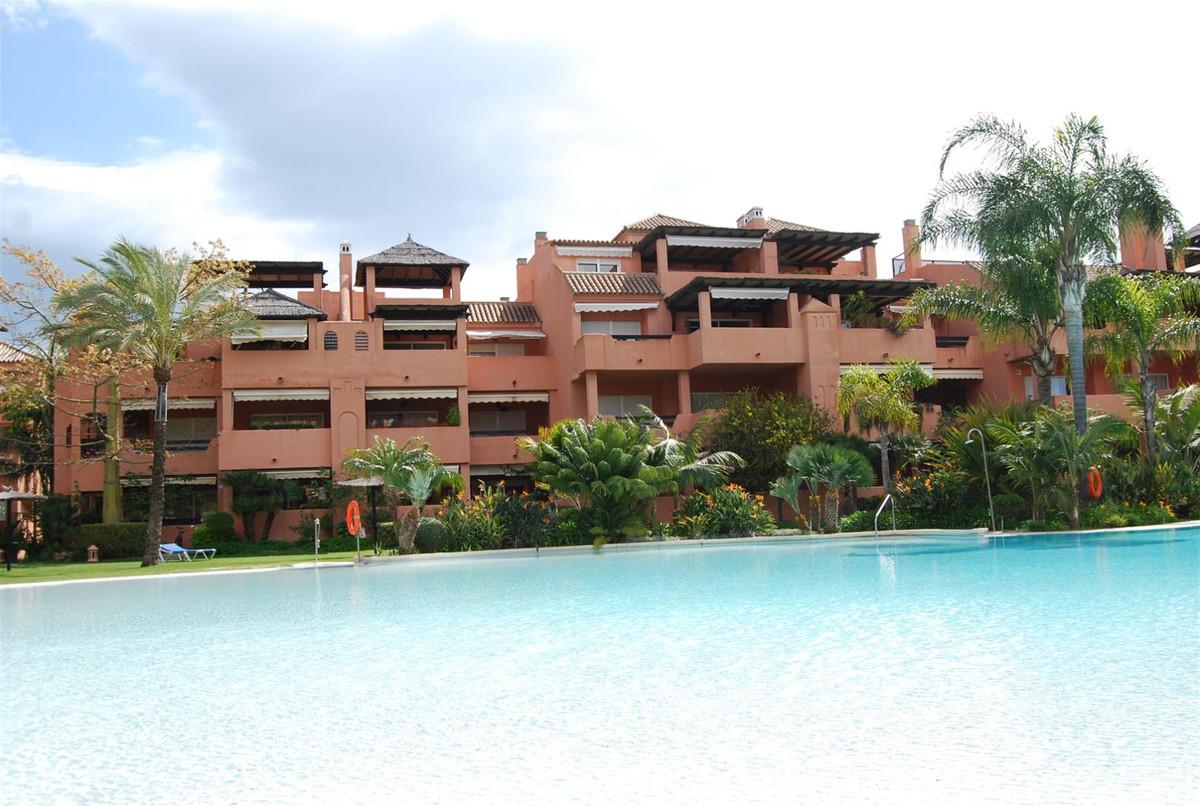 Apartamento, Ático en venta en Guadalmina Baja