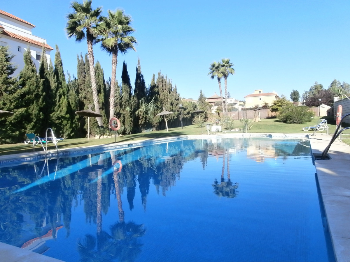 Apartment  Middle Floor 													for sale  																			 in San Luis de Sabinillas