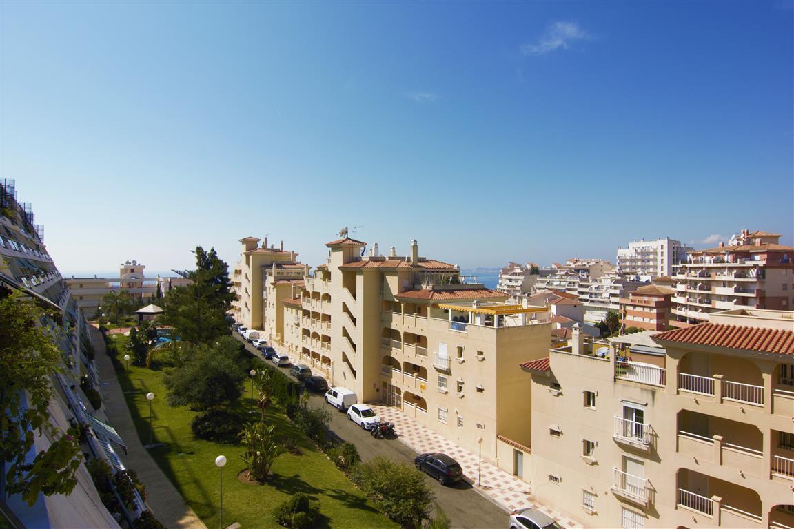 Apartment  Middle Floor for sale   in Torrequebrada