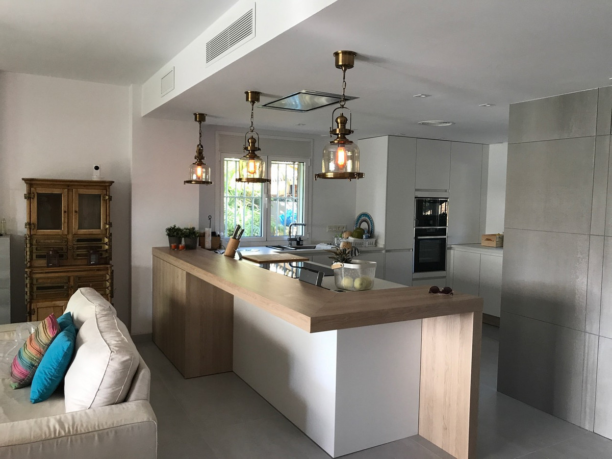 Villa Semi Detached in Santa Clara, Costa del Sol