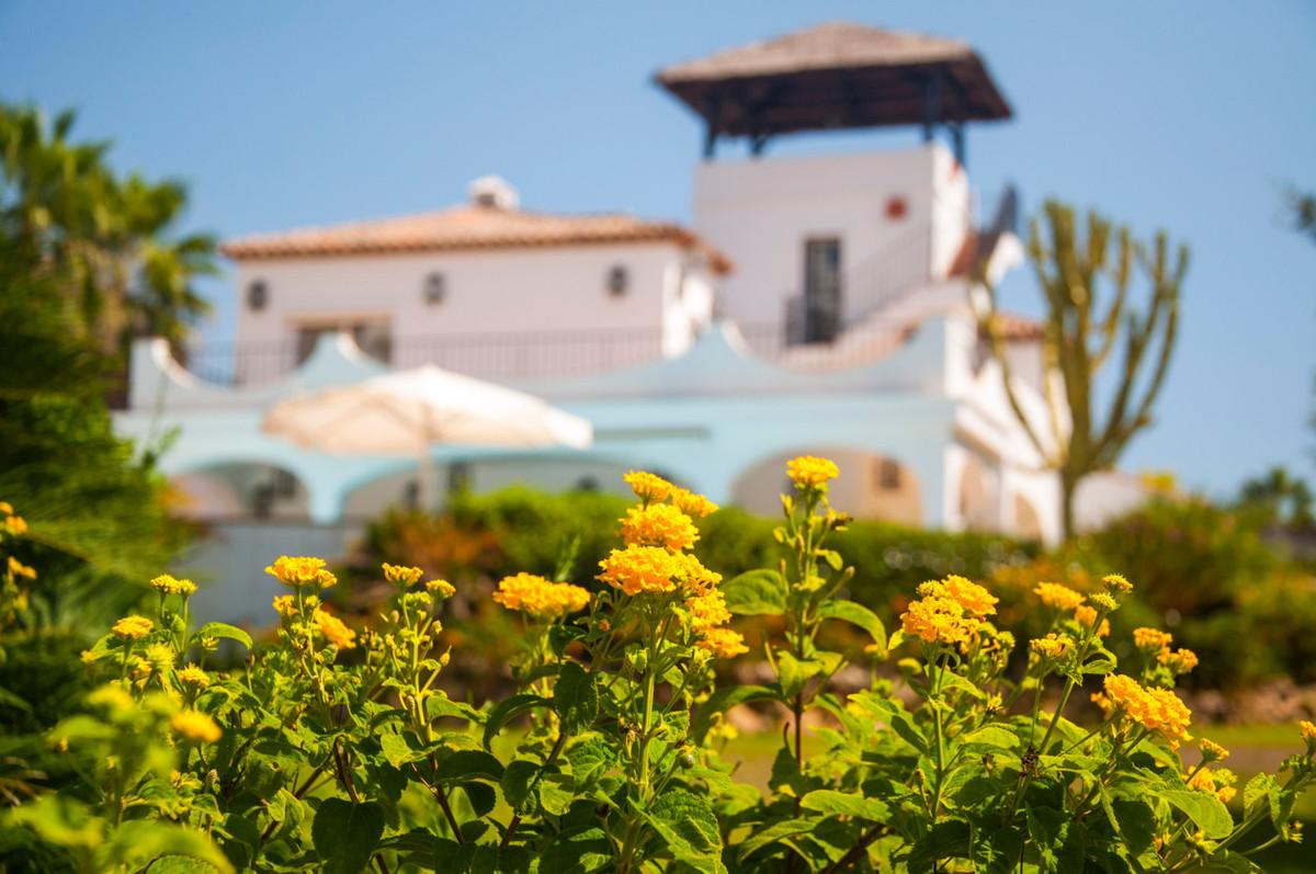 Villa  Detached for rent  in Estepona