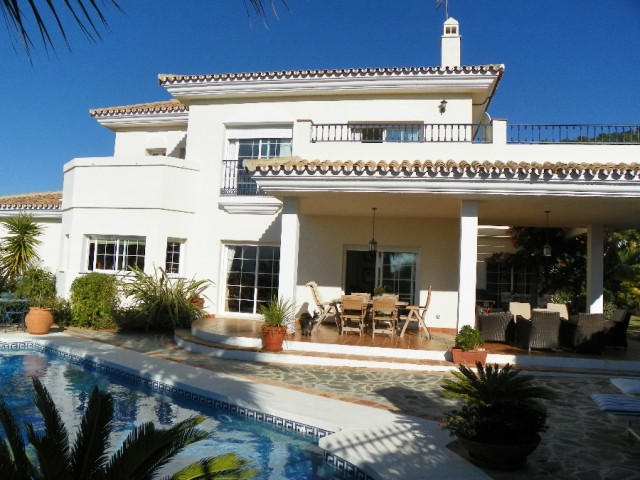 Villa  Detached 													for sale  																			 in Alhaurin Golf