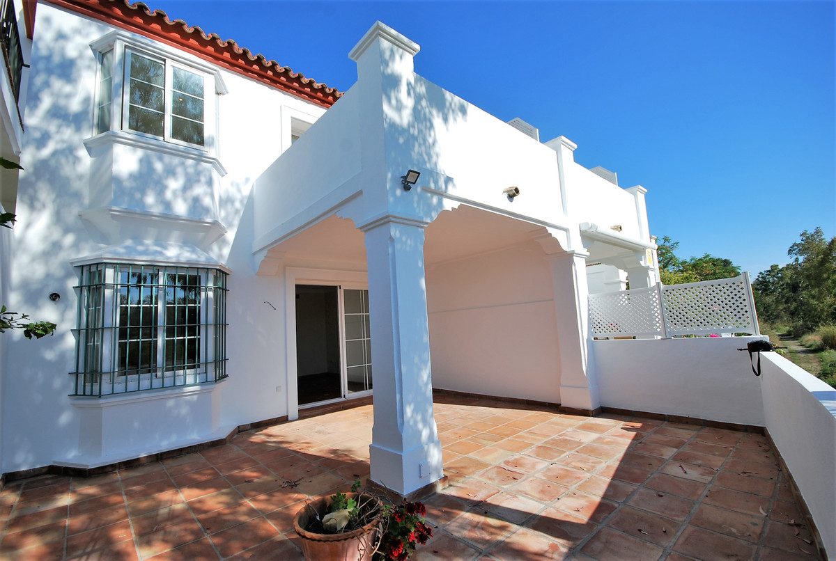 Townhouse, Terraced  for sale   and for rent    en Guadalmina Alta