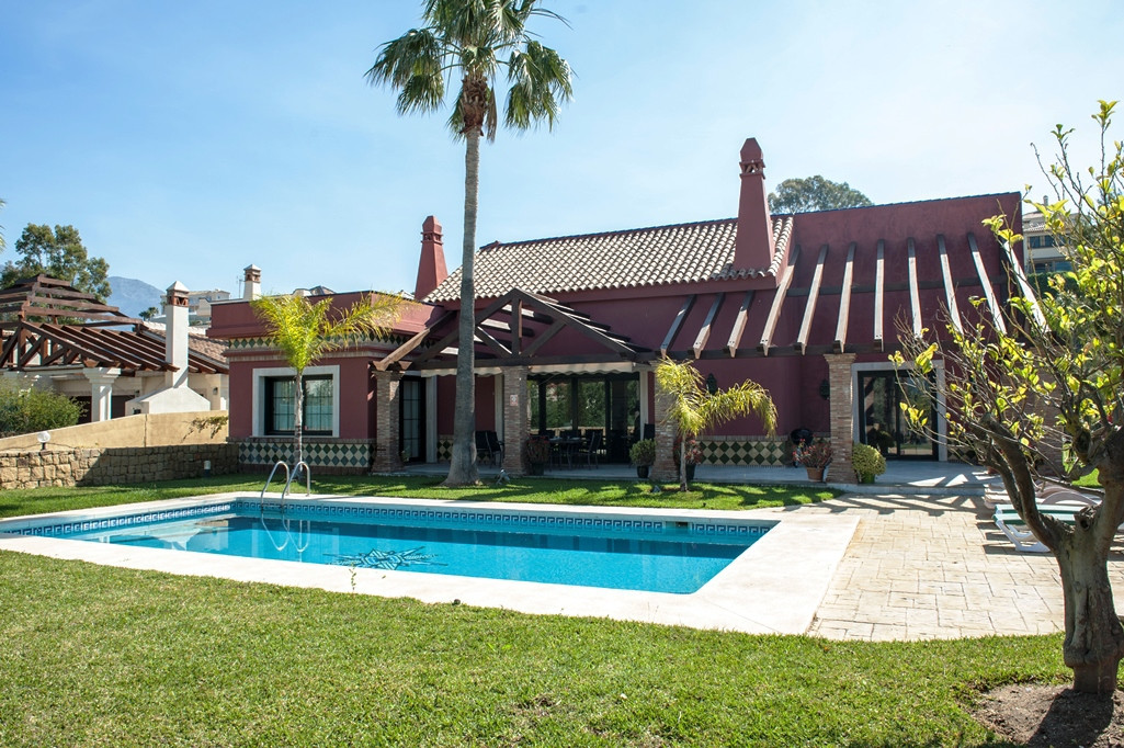 Villa  Independiente 													en venta  																			 en Mijas Golf