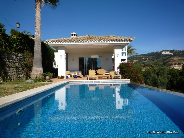 Villa  Detached for rent  in Río Real