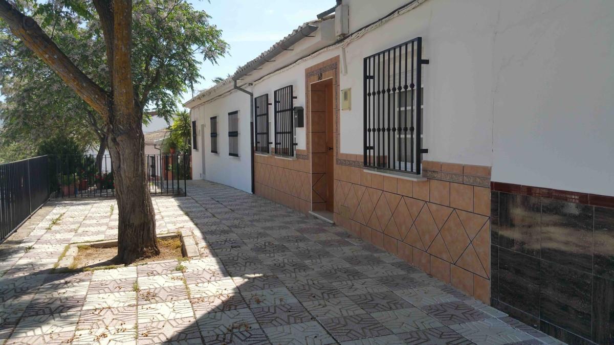 Villa, Pareada  en venta    en Antequera