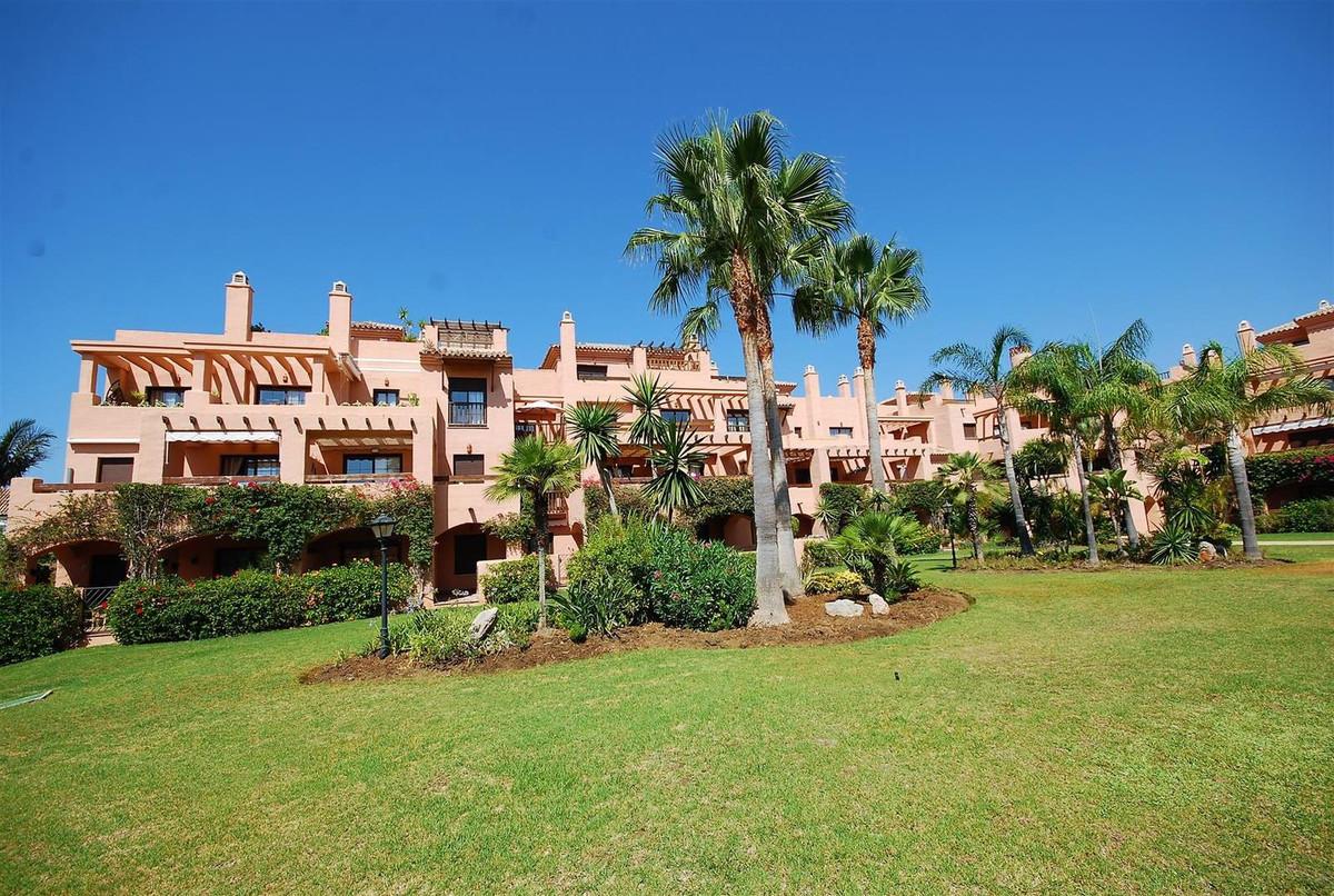Apartment, Penthouse for rent en Estepona