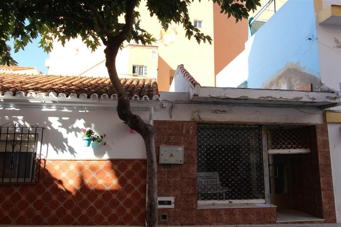 Oficina  en venta    en Estepona