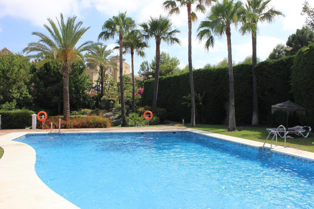 Apartment  Ground Floor for sale   in La Quinta